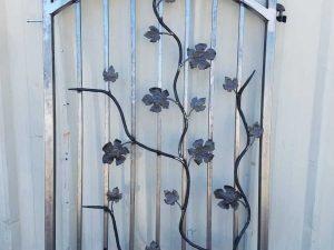 CUSTOM IRON GATE (NOT PAINTED)